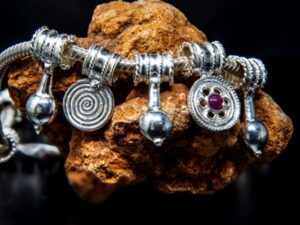 Collana in argento con pendenti